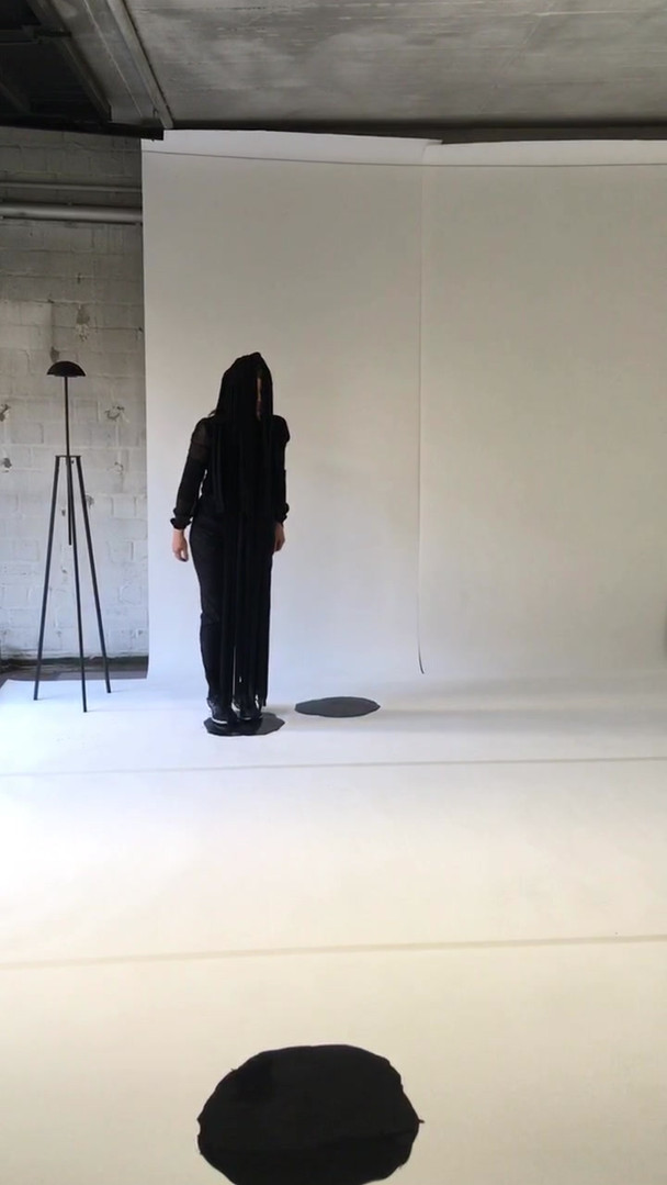 Stella Geppert, InsideT - Learning from the Body, Performance 08.08.2020, CoNTACT/ HAUNT Berlin
