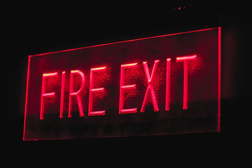 fire-exit-signage-3230179.jpg