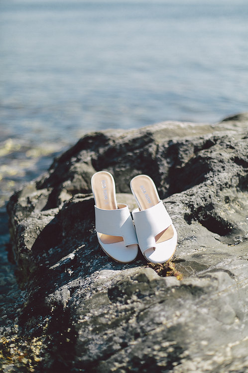 One Toe Strap Shoes - White