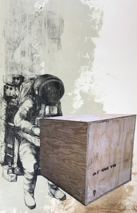 astronaught with box