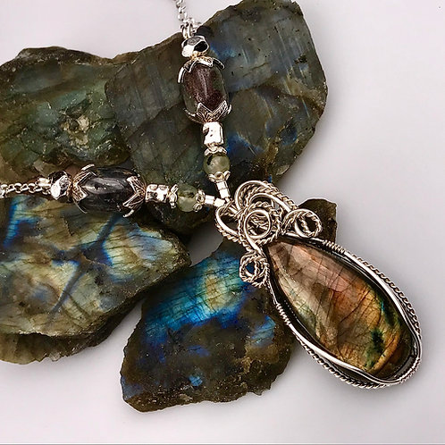 Labradorite necklace with Prehnite and Phantom Quartz beads