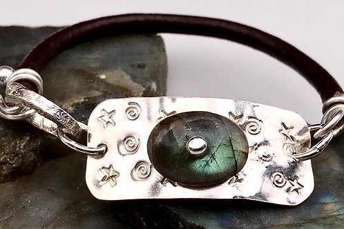 Fine silver Labradorite and leather bracelet