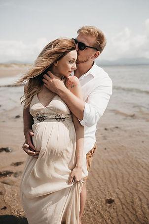 creative maternity manchester photograph
