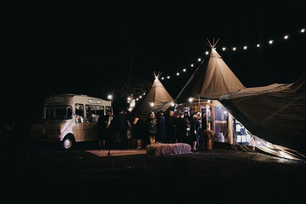 tipi-wedding-cheshire-photography