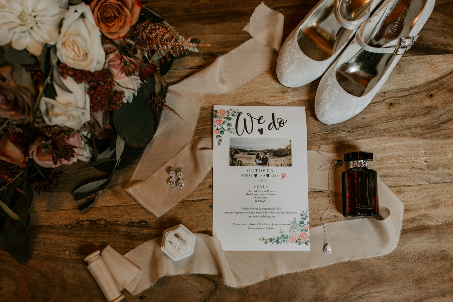autumnal wedding at The Oak Tree Of peover
