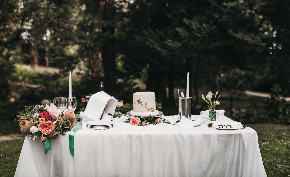 Wedding cake table - Schloss hotel Kronberg - Destination Wedding photography