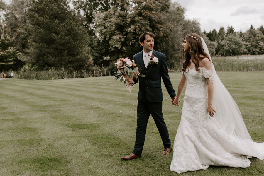 Manchester Wedding Photographer at The Oak Tree of Peover