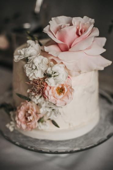 Beautiful Wedding Cake - Manchester Wedd