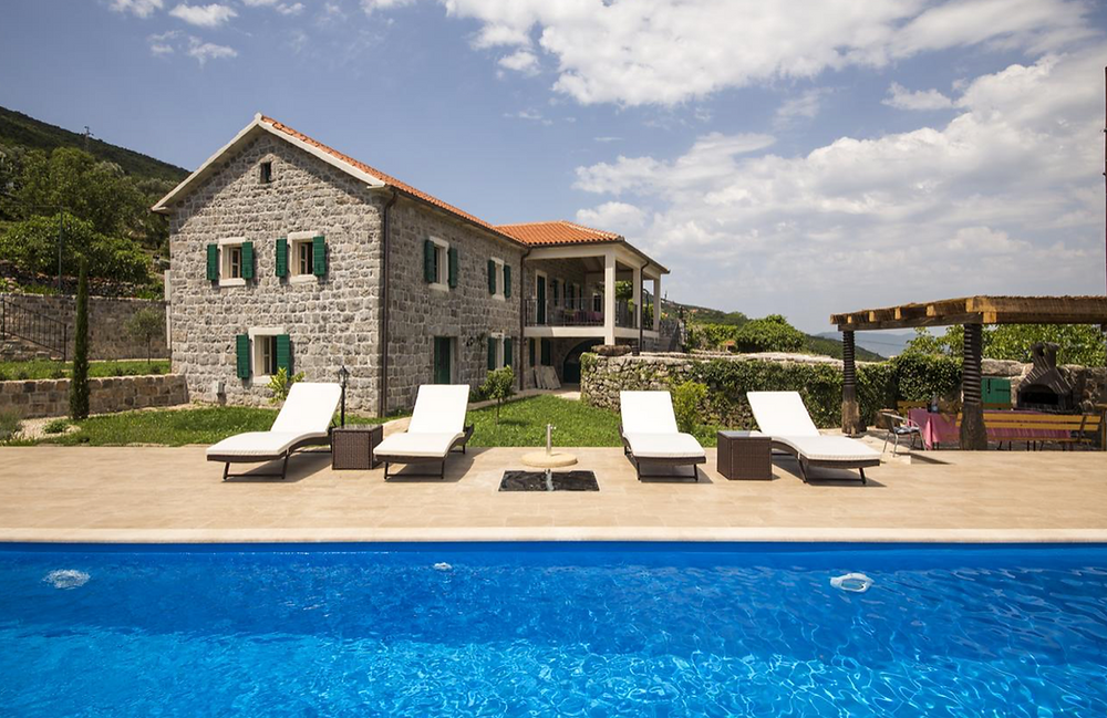 Wedding Photographer in Montenegro - wedding villas