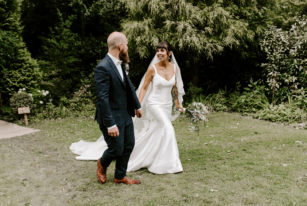 woodland wedding in woods kent sussex