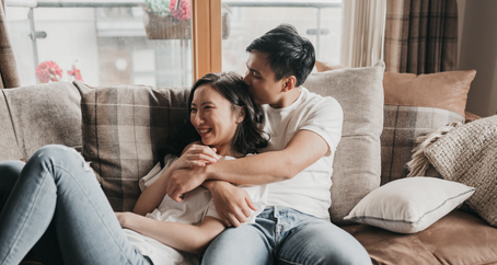 In-Home Indoor Couple Session | Couple Lifestyle Photographer in manchester | AirBnb Photography