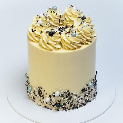 Simple cake-2.jpg