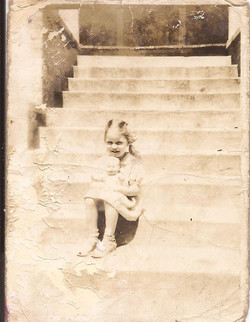 laura-on-steps
