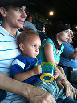 mike-and-ellie-at-braves-game-2010