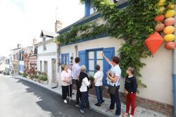 Ruelle fleurie quartier des marins visite guidée saint valery sur somme en baie de somme