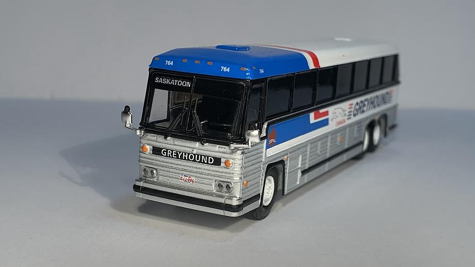 "87-0246 / 1:87 1984 MCI MC-9 ""SASKATOON"" Greyhound Canada"