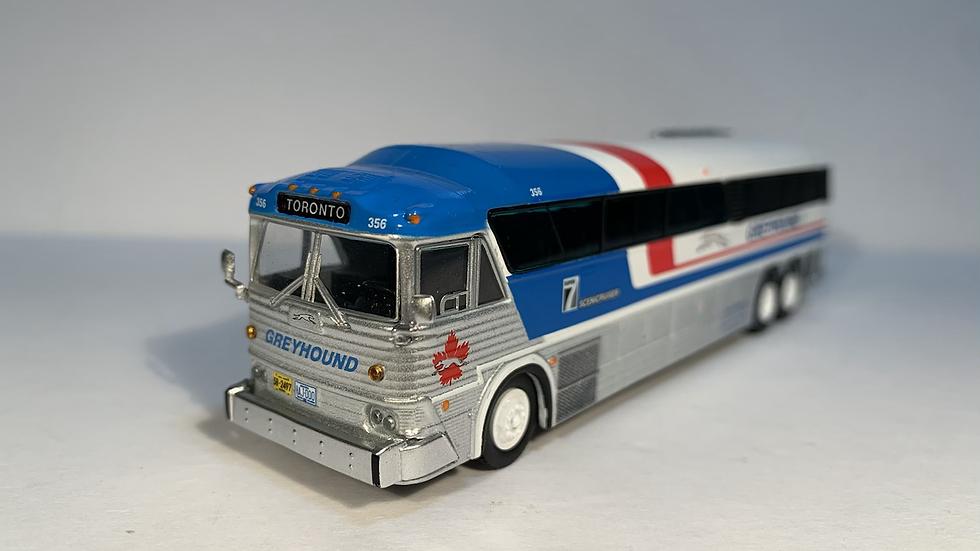 "87-0254 / 1:87 MCI MC-7 Greyhound Freighter ""TORONTO"" GPX Parcel Express"