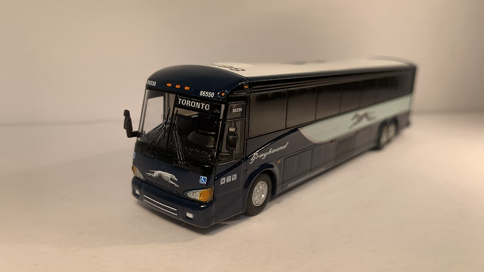 "87-0121 / 1:87 MCI D4505 Greyhound Lines ""TORONTO "" custom destination"