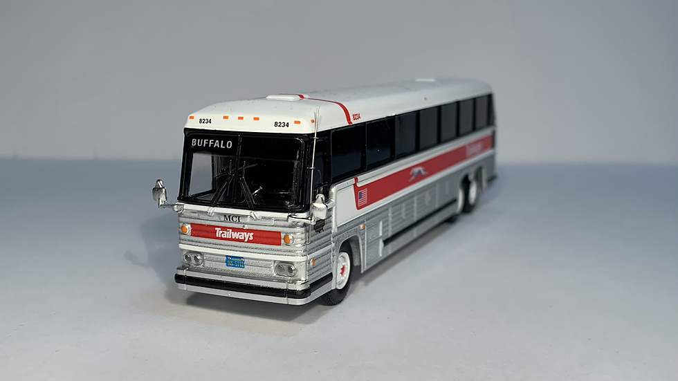 "87-0229 / 1:87 1984 MCI MC-9 Trailways ""BUFFALO "" custom destination"