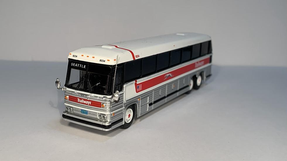 "87-0229 / 1:87 1984 MCI MC-9 Trailways ""SEATTLE"" custom destination"