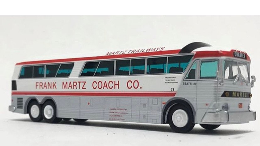 87-0255 / 1:87 1970 MCI MC-7 Martz Trailways