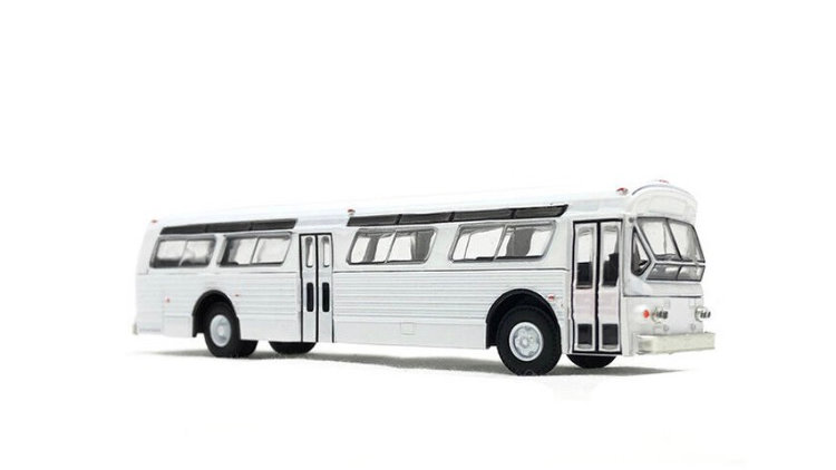 87-0297 / 1:87 Flxible transit bus blank white with AC