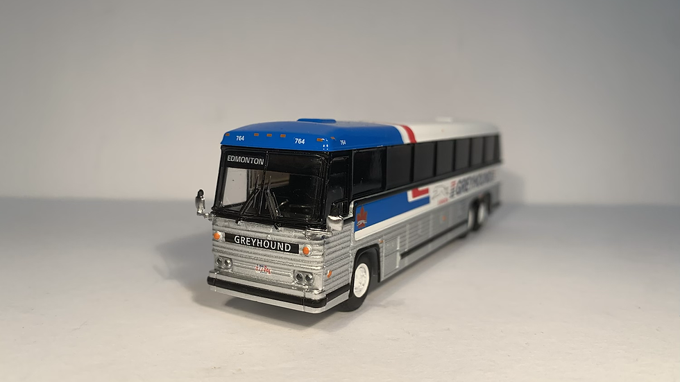 "87-0246 / 1:87 1984 MCI MC-9 ""EDMONTON "" Greyhound Canada"