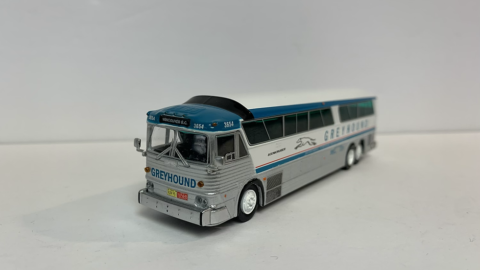 "87-0182 / 1:87 HO MCI MC-7 Greyhound Lines ""VANCOUVER BC"" by Iconic Replicas"