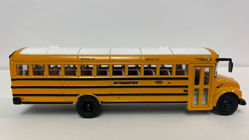"949-11701-DTL 1:87 HO Scale ""DIVERSIFIED"" Walthers International school bus"