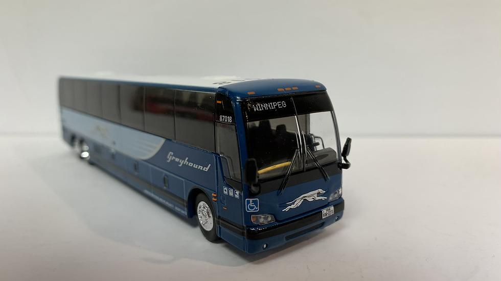 """87-0216 / 1:87 Prévost X3-45 Greyhound """"WINNIPEG """" custom destination"""