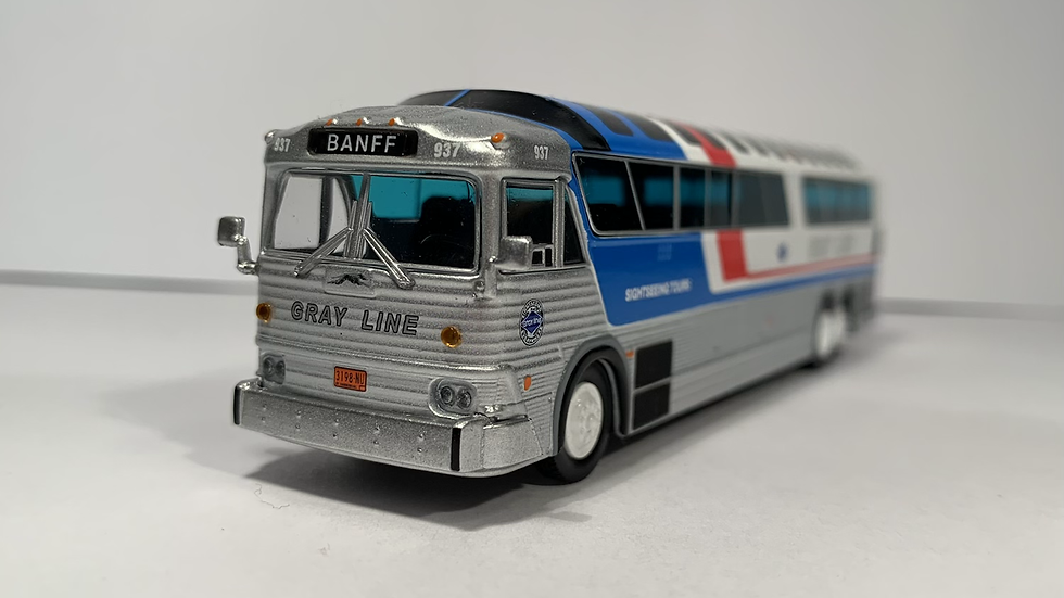 "87-0257 / ""BANFF"" 1:87 1970 MCI MC-7 Gray Line Sightseeing"