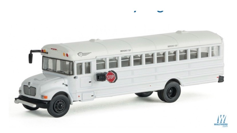 1:87 HO Scale Walthers MOW crew bus with decals