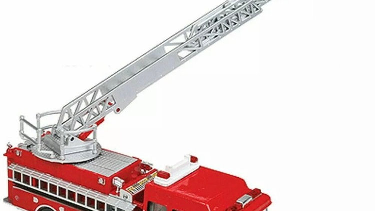 949-13801 / HO 1:87 Walthers ladder fire truck