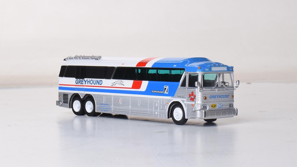 87-0254 / 1:87 MCI MC-7 Greyhound Freighter GPX Parcel Express