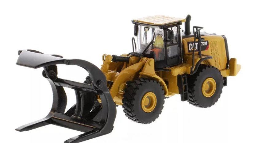 85950 / 1:87 Diecast Masters CAT 972M wheel loader w/log fork