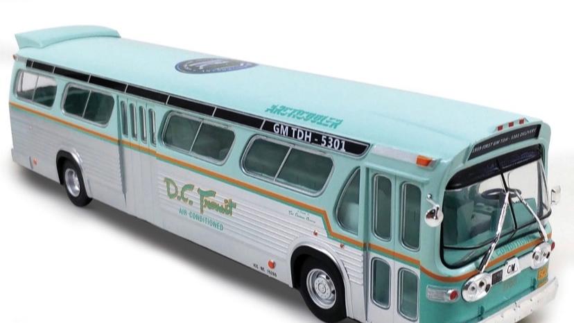 43-0154 / 1:43 GM TDH-5301 DC Transit 60th anniversary bus