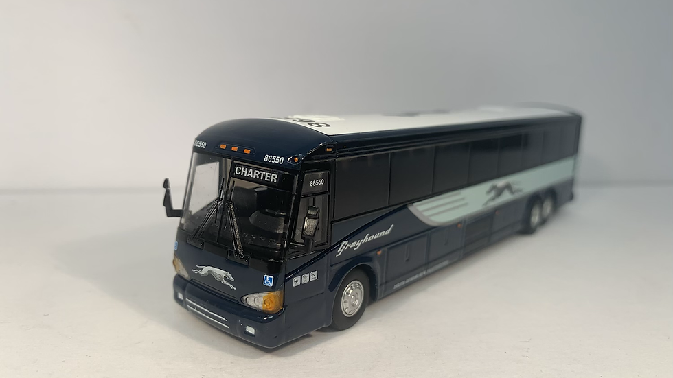 "87-0121 / 1:87 MCI D4505 Greyhound Lines """"CHARTER"" custom destination"