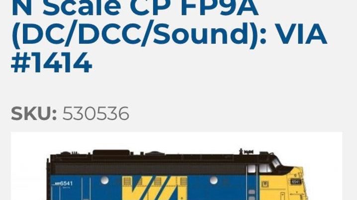 530536/ N SCALE Rapido CN FP9A DCC/Sound VIA Rail#6527