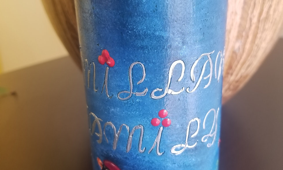 Personalize family candle