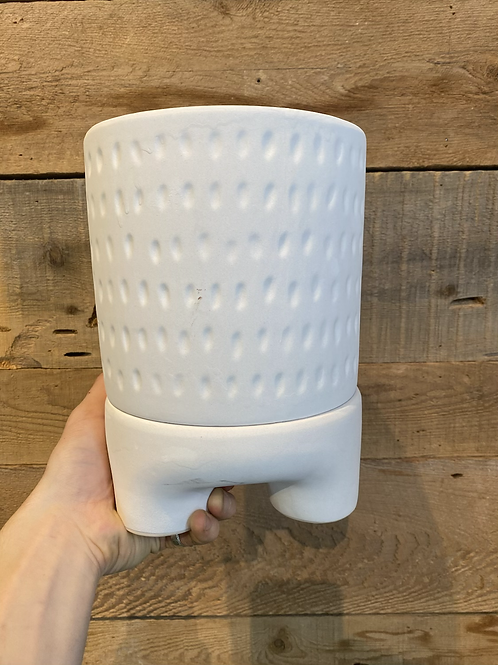 """Bulbous White 6"""" Pot with Drain/Stand (7""""depth)"""