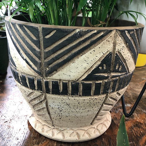 """Etched Triangle Pot 7"""""""