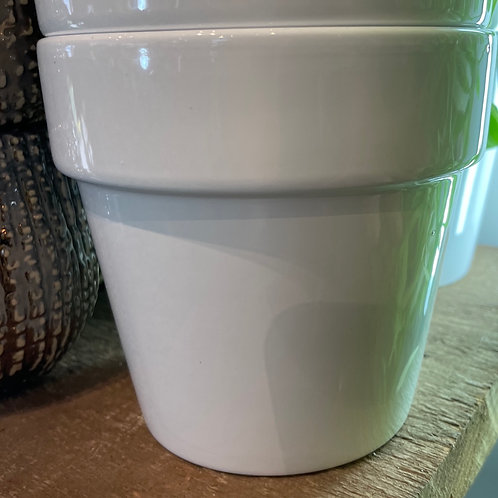 "White Pot with Rim 4"""