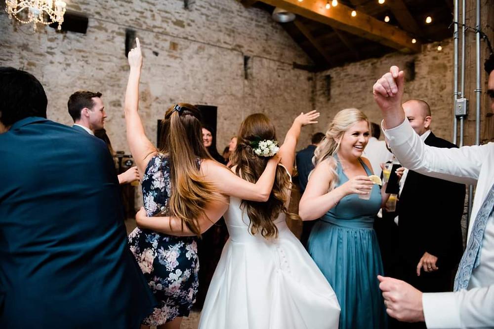 Allie Jennings Photography - Loops N Jamzz Wedding Cambridge Ontario