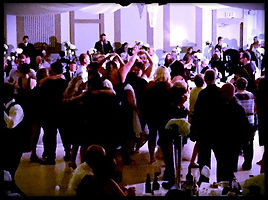 Full dance floor at Kitchener wedding with Loops N Jamzz DJs