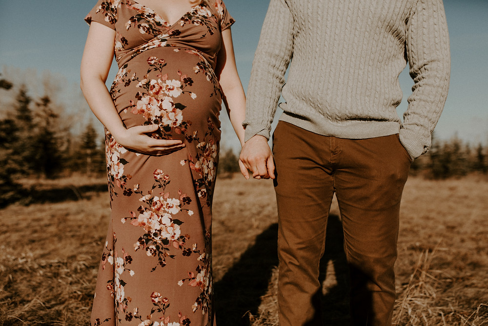 calgary fish creek maternity session