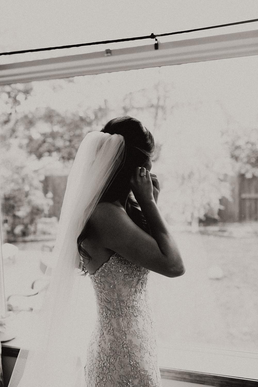 calgary bride getting ready