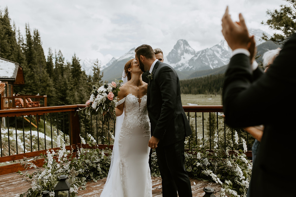 mount engadine lodge wedding ceremony