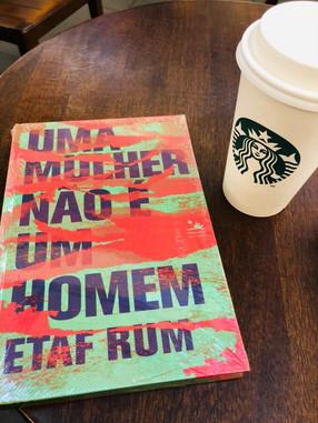 Uma mulher não é um homem - Etaf Rum