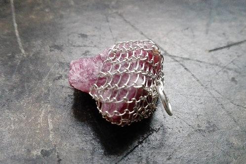 vaaleanpunainen turmaliini