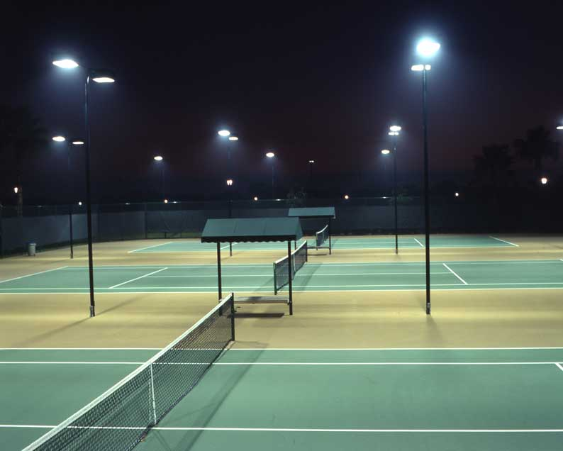 No-glare-protect-eyes-badminton-court-lighting